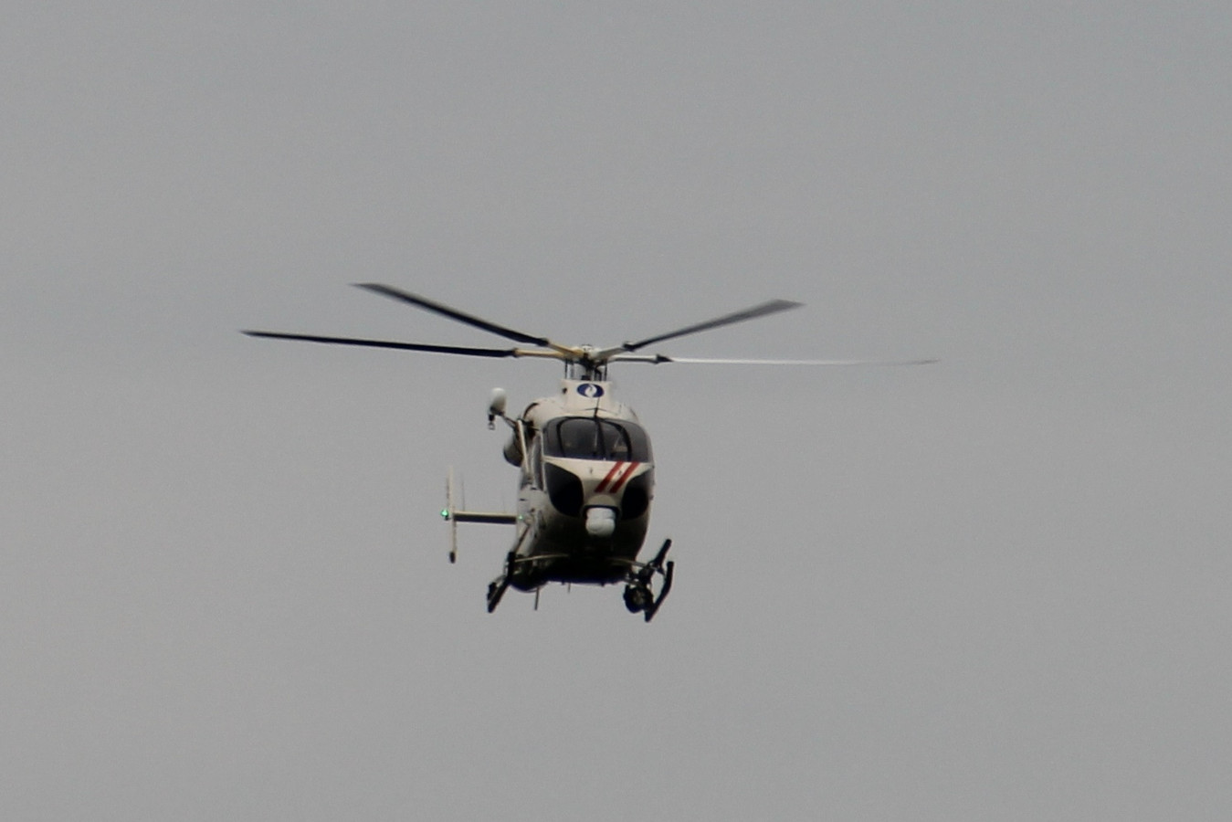 De RAGO-politiehelikopter hing lange tijd boven de regio Bambrugge/Zonnegem.