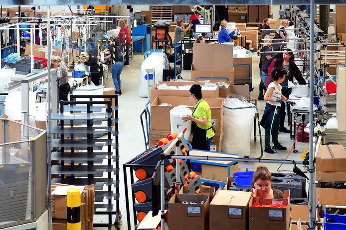 De medewerkers op de werkvloer van Thetford hebben de handen vol aan de toenemende vraag naar producten.