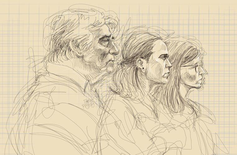 De vader en de twee zussen van Tine Nys op een rechtbanktekening van Igor Preys. Beeld Belga