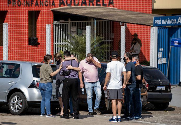 L'attaque a eu lieu à Saudades, une petite ville d'environ 10.000 habitants à 600 km de Florianopolis, la capitale de l'État de Santa Catarina.