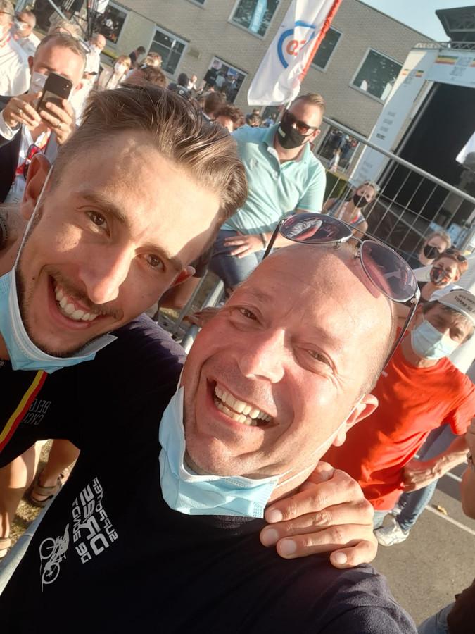 Dries De Bondt is Belgisch kampioen Dries bij zijn peter Bert - Londerzeel