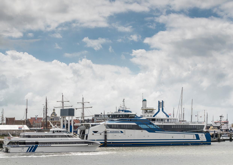De Willem Barentsz in de haven van Harlingen.