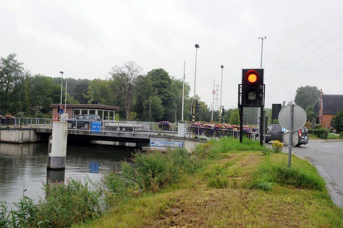 De oude Kruineikebrug zal voorbehouden zijn voor fietsers en voetgangers.