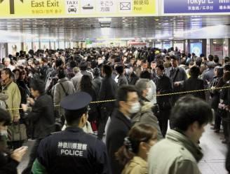 Buitenlanders vluchten weg uit Tokio