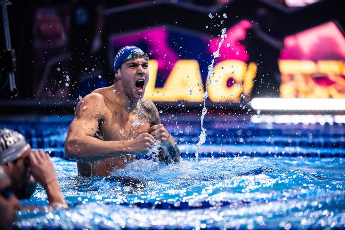 Caeleb Dressel a établi, à Budapest, les records du monde du 100 mètres papillon et du 50 mètres nage libre. Impressionnant.