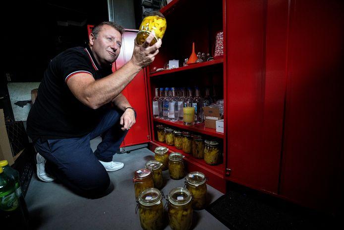 Geert Wernaart uit Veldhoven maakt zijn eigen limoncello