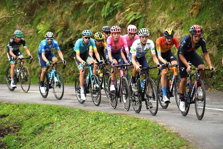 De favorieten bedwingen de Alto de l'Angliru in de Vuelta. Beeld EPA