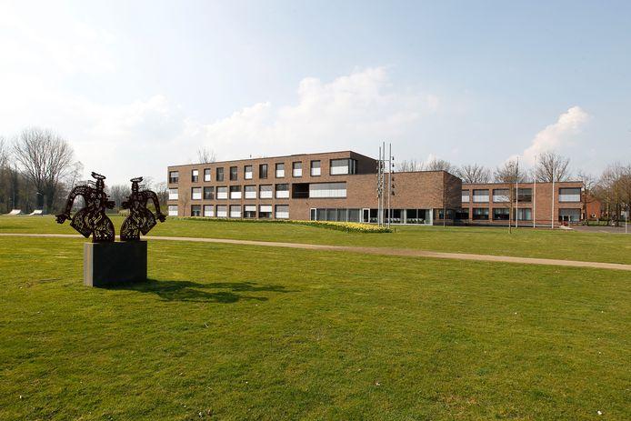 Het Laarbeekse gemeentehuis in Beek en Donk.