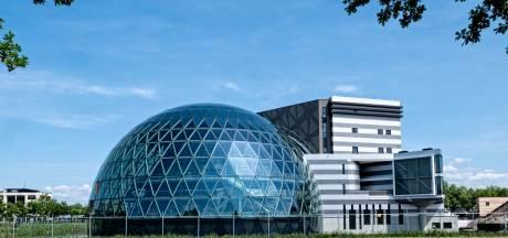 Bijna iedereen werkt thuis, maar in Leusden wordt een megakantoorpand gebouwd (inclusief theaterzaal)