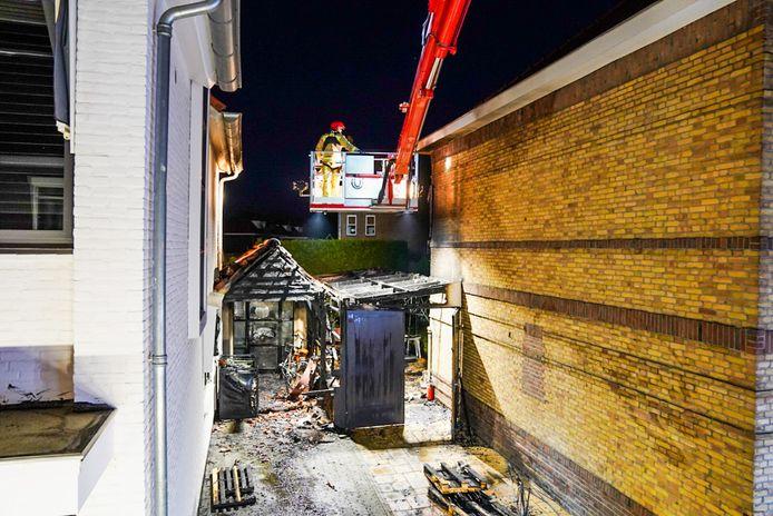 Twee huizen zwaar beschadigd bij brand in Eindhoven.
