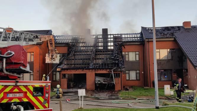 Vijf woningen getroffen bij uitslaande brand in woonwijk Parelshof, drie onbewoonbaar