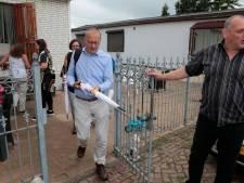 Burgemeester gaat te voet door zijn gemeente: 'De volgende stop? Woonwagenkamp Arkel'