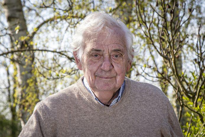 Pelle Mug is afgelopen zondag overleden. De oud politicus in Amsterdam en Wierden, werd 87 jaar.