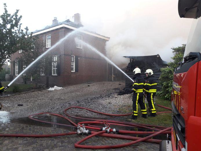 Een brand in Genderen, afgelopen mei.