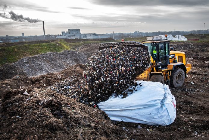 Weurt/Nederland: De ARN in Weurt is 1 van de 4 plekken in Gelderland waar asbest opgeslagen wordt.