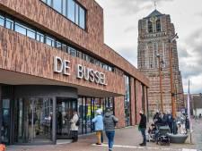 Eerste voorstellingen beste cadeau voor Oosterhouts Theater De Bussel: 'Sta hier met glimlach en een traan'