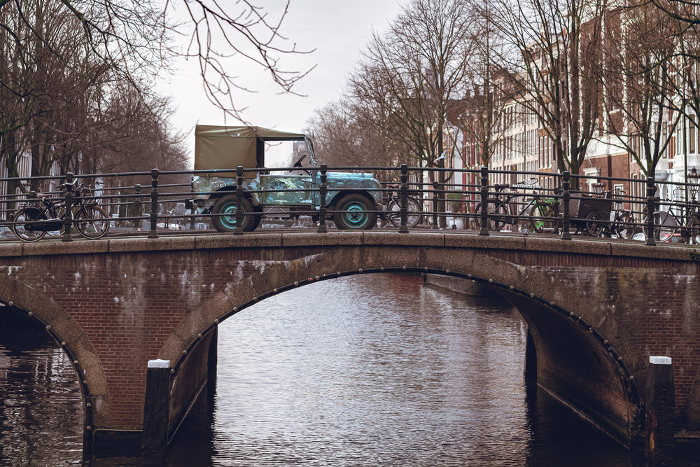 Land Rover.