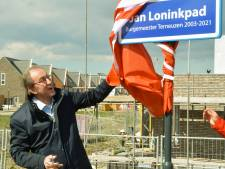 Jan Lonink heeft het nu al te pakken, een eigen straatnaambordje, het Jan Loninkpad