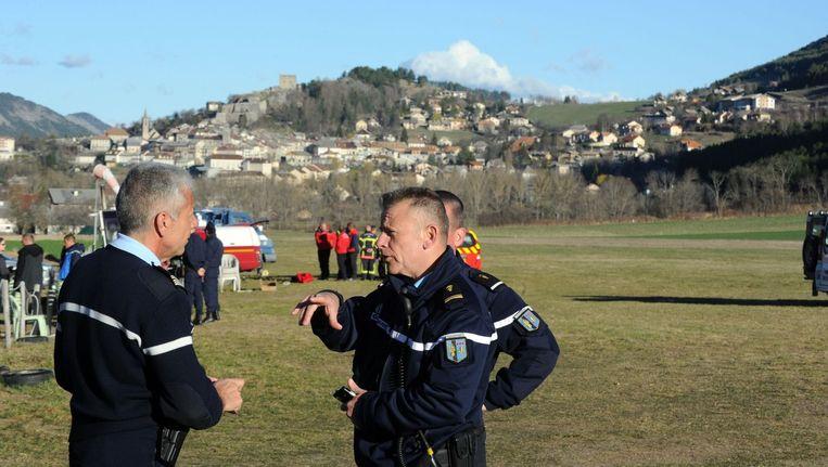 Franse politie in de buurt van de rampplek waar vlucht 4U 9525 neerstortte. Beeld null