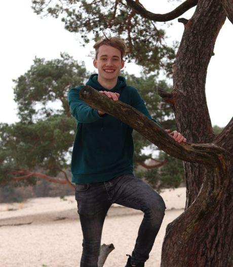 Rick (17) droomt van een carrière bij Ajax: 'Ik ben opgegroeid met voetbal'