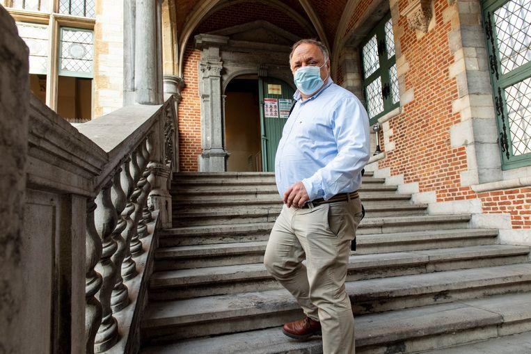 Marc Van Ranst stond maandag opnieuw voor de rechtbank in Mechelen na een nieuwe klacht van Willem Engel Beeld Photo News