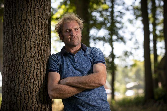 Frans Zanderink in zijn bosperceel waar een natuurbegraafplaats is gepland.