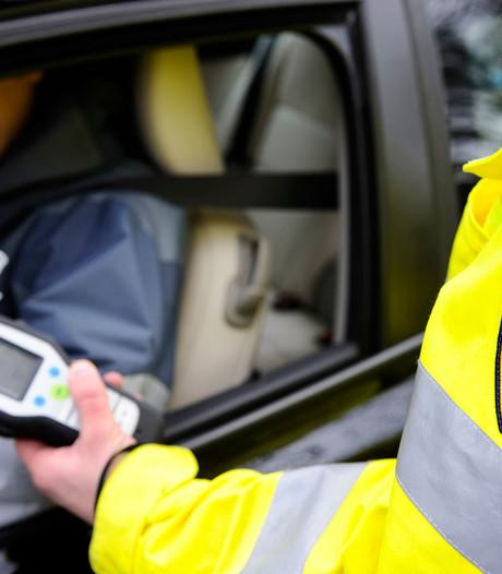 Drankrijder met ongeldig rijbewijs tweemaal in één week gepakt