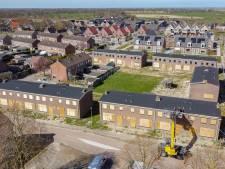 Verdreven vleermuizen moeten na klachten over hun poep opnieuw verhuizen in Sint Jansklooster