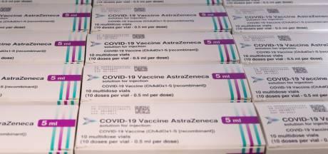 Vaccin AstraZeneca et thrombose: le risque de caillots sanguins doit être ajouté à la liste des effets secondaires rares, estime l'EMA