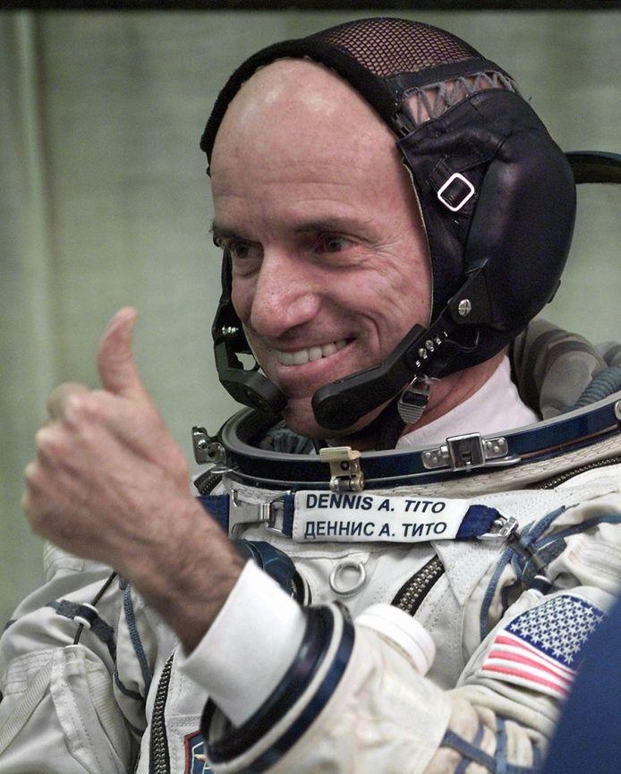 Dennis Tito voor vertrek van zijn toeristische ruimtevlucht, eind april 2001.