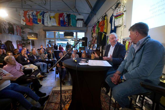 De ene na de andere anekdote rolde donderdagavond in het wielercafé in Doetinchem uit de mond van José de Cauwer.