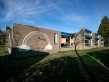 Tijdelijke woningen en activiteiten in oude internationale school in Eindhoven
