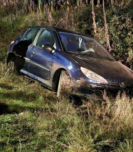 Auto belandt in sloot bij eenzijdig ongeluk in Ruurlo