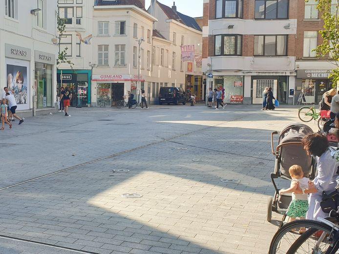 MECHELEN - De Botermarkt in Mechelen met op de achtergrond De Bruul, waar de steekpartij plaatsvond