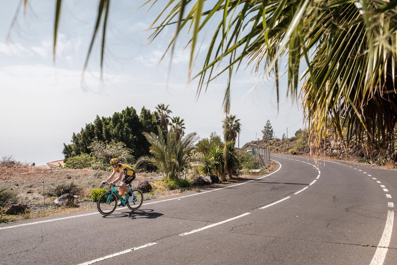 Wout van Aert ging net als vorig jaar trainen op de Teide, op het eiland Tenerife. Beeld Wouter Van Vooren