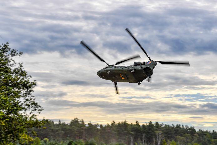 Defensie gaat onderzoeken of meer dan 201 woningen trillingoverlast of -schade ondervinden door laagvliegende Chinooks.