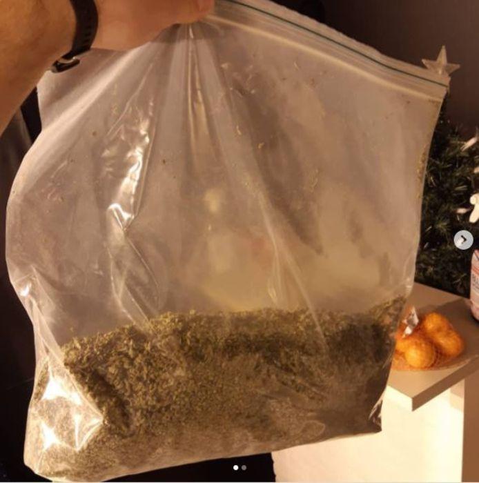 Zak hennepgruis gevonden tijdens drugsactie in Den Bosch.
