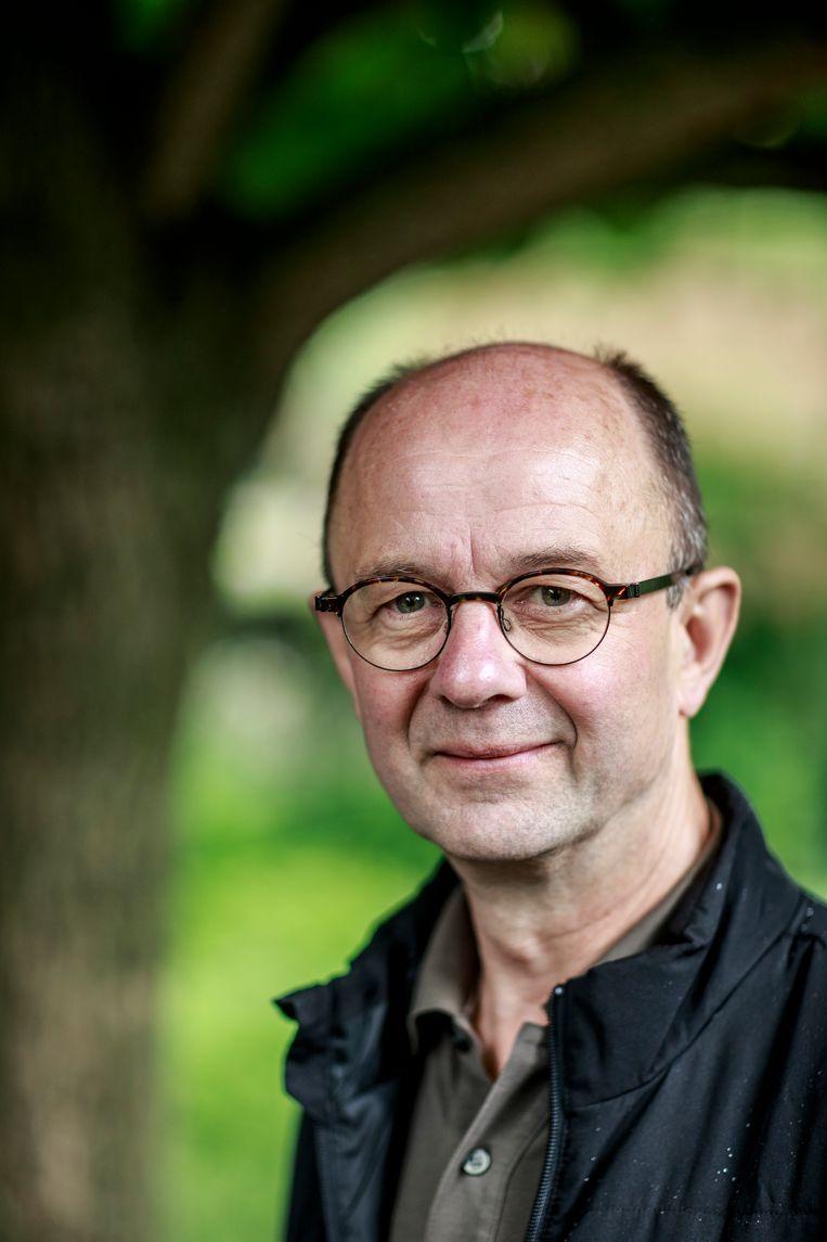 Marc Verachtert: 'Een boom is een airco: onder een dicht bladerdek kan het tot 15 graden koeler zijn.' Beeld Wim Daneels