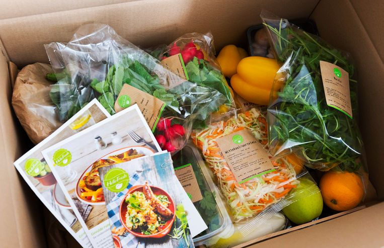 De HelloFresh box met verse producten. In deze HelloFresh box zitten de ingrediënten voor vijf maaltijden.  Beeld ANP