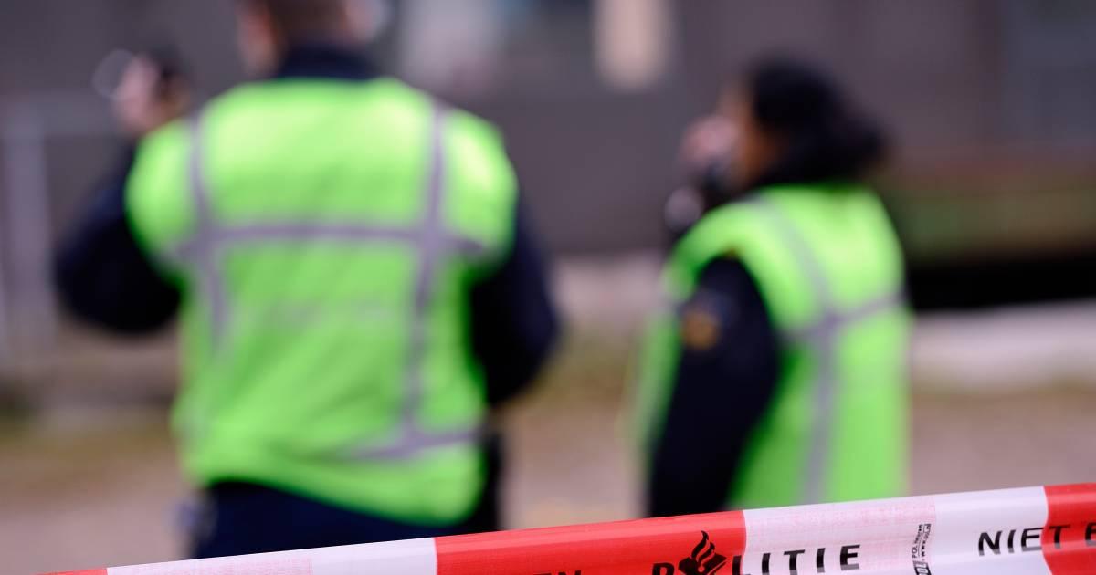 Dode na aanrijding in Amsterdam, dader vlucht.