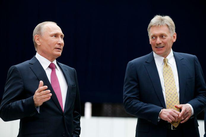 Vladimir Poutine et le porte-parole du Kremlin Dmitri Peskov