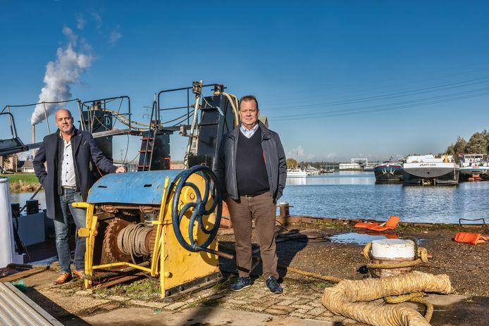 Leon Bons van scheepswerf Ruijtenberg (links) en Jan Buijks van Buijks Maritiem willen verhuizen met hun bedrijven.