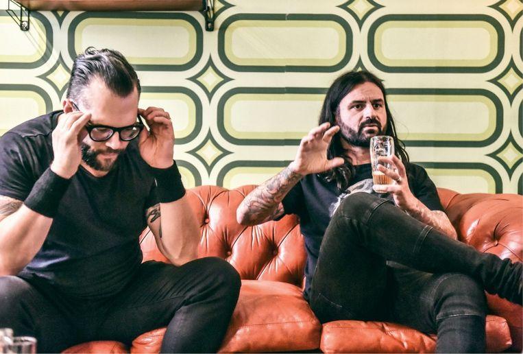 Jeroen Camerlynck (rechts): 'Ik hou zielsveel van metal, maar ik steek er ook voortdurend de draak mee.' Beeld