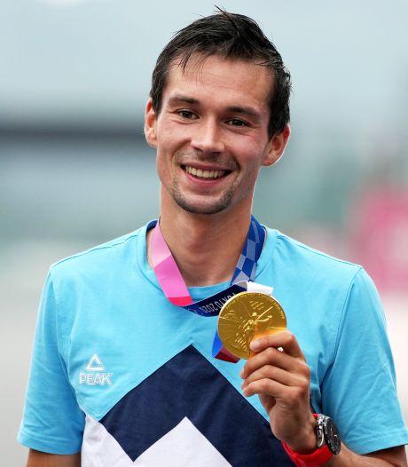 Roglic opent op gouden tijdritfiets jacht op derde Vuelta-titel