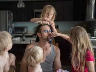 Fotografe bewijst dat vaders geen luizenleventje leiden