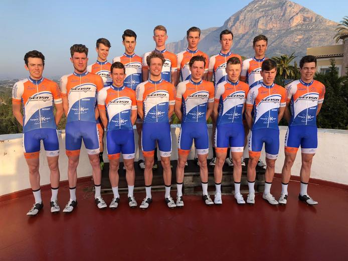 De renners van Sensa-Kanjers voor Kanjers op trainingskamp in Spanje.