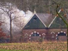 Brand in monumentaal bijgebouw van Erve 't Kromhof in Enschede