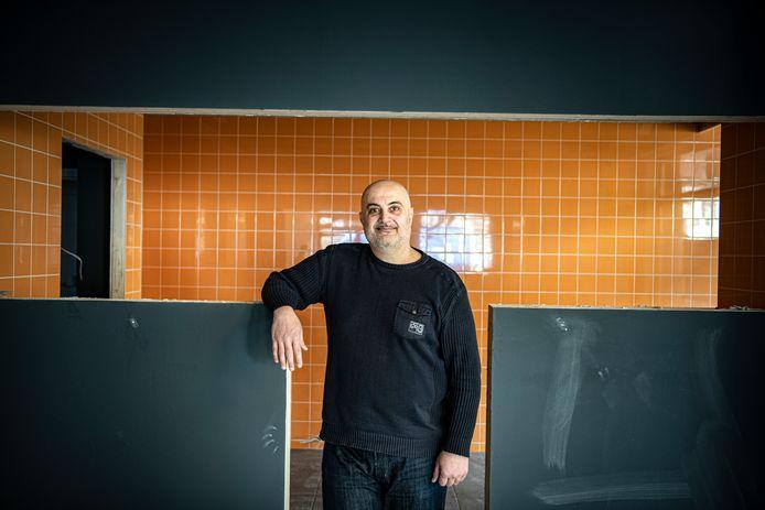 Na drie pogingen heeft Karam Sadiq eindelijk een pand in Wijchen gevonden waar hij zijn pizzeria kan openen: ,,Uiteindelijk heb ik niet opgegeven. Ik heb ervoor gevochten.''