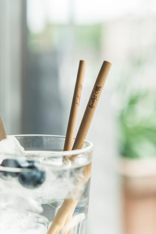 Enkele producten van Veganly: rietjes uit bamboe