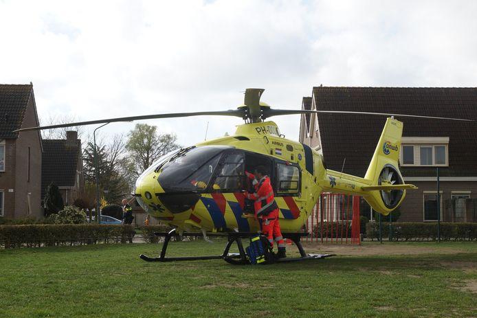 Een traumahelikopter landde in de buurt van het ongeval, maar bleek niet nodig.